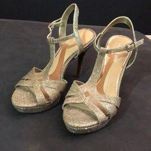 Gianni Bini dress heels - champagne